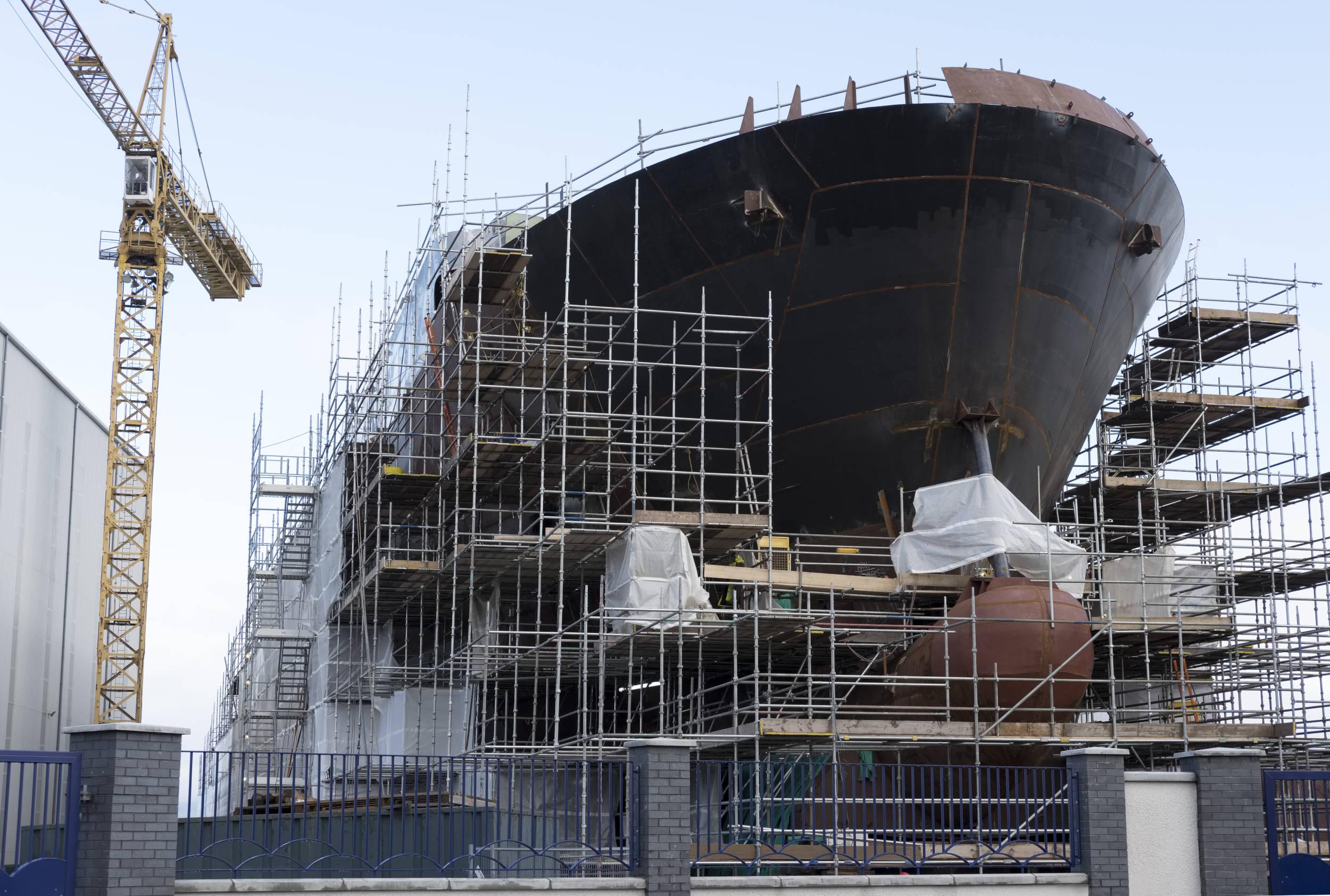 Barco en construcción
